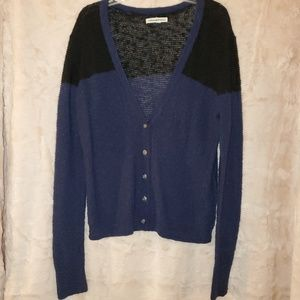 American Eagle AE v neck cardigan sweater